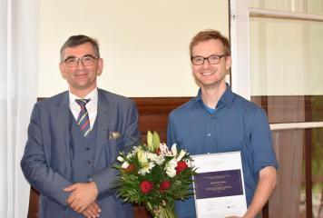 S. E. Prof. zw. dr hab. Andrzej Przyłębski, Johannes Czakai  (laureat Naukowej Nagrody Ambasadora w kategori prace doktorskie)