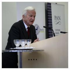 Richard v. Weizsäcker podczas otwarcia CBH PAN, 2006