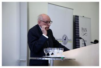 Professor Władysław Bartoszewski bei der feierlichen Eröffnung des Zentrums, 2006
