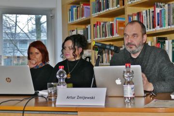 Von links: Dr. Małgorzata Stolarska-Fronia, dr Lidia Głuchowska, Artur Żmijewski