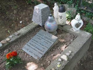 Grób ostatniego Żyda szczebrzeszyńskiego, który jako jedyny przeżył Holocaust i powrócił po wojnie do miasta.