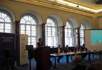 Konferenzeröffnung: Ulrike Kind (Senatskanzlei Berlin), Robert Traba (Direktor des ZHF in Berlin), Yvonne Kleinmann, Dieter Bingen und Stephan Theilig,
