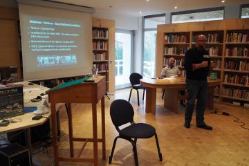 Daniel Bernsen (IGS Pellenz w Plaidt), Ronald Hild (historyk, politolog i dziennikarz) - autorzy gry plansowej do nauki historii TEXTURA